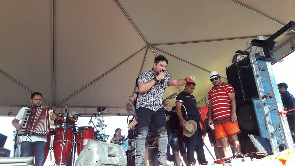 Com show de Mariozan Rocha temporada de veraneio em Ribamar Fiquene foi aberta no domingo dia 10