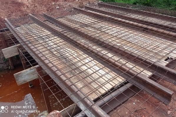 Prefeitura começa troca de ponte de madeira por estrutura de concreto na zona rural de Ribamar Fiquene