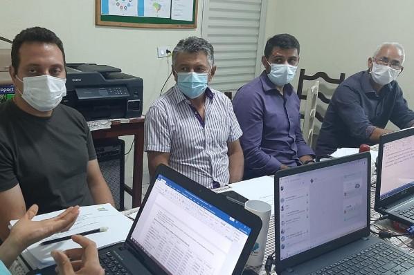 Prefeito Cociflan discute retorno de aulas presenciais em Ribamar Fiquene