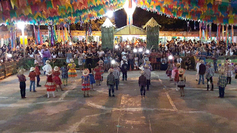 Arraiá do Povo teve duas noites de festança com quadrilhas juninas e shows