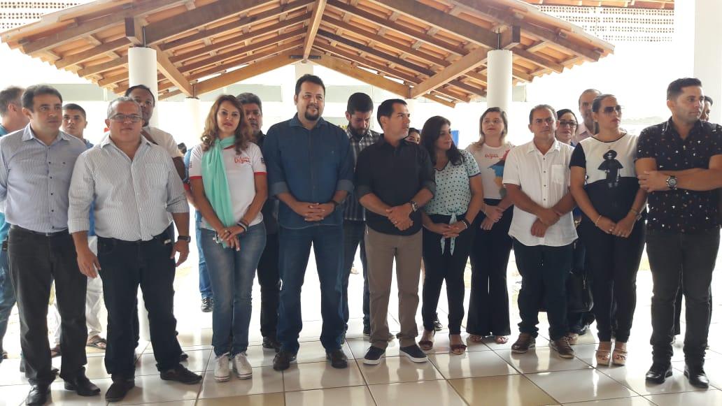 Autoridades do estado, do município e da região prestigiam inauguração de Escola em Ribamar Fiquene